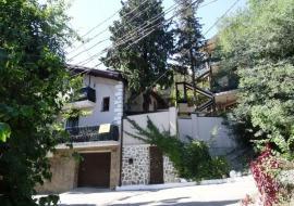 Скрытый дворик -   Гостиница Крым,  пгт. Гурзуф, ул. Соловьева