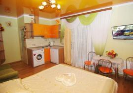 Гостевой дом  Саранчева - Алушта Гостевой дом  комната 11