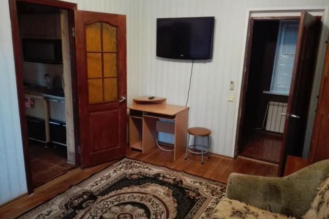 2-х комнатный дом   частный сектор  коктебель   ул. Шершнева