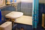 Жёлто-голубой номер2 этаж 2 комнаты, общий санузел