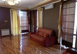 Львиный 8 местный (дворик, беседка, гараж) - Алушта коттедж