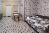 Двухкомнатные апартаменты с кухней   Крым Черноморское  гостиница   бассейн