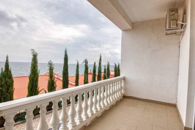 Крым недвижимость Алушта купить  апартаменты у моря в Алуште посёлок Семидворье