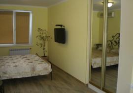 Видовая 4-х комнатная квартира по ул. Подвойского дом 9 - Крым гурзуф снять Видовая 4-х комнатная квартира по ул. Подвойского дом 9