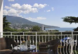 Ялта   гостиница  бассейн  цены  вид на море