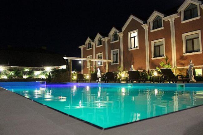 Крым  Евпаторион гостиница с Бассейном