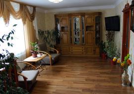 2 этажа 4 комнаты  У Ларисы
